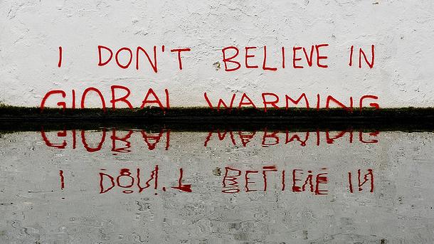 banksy_global-warming_wide-7527f80adc303d06811e9a8c4b7ab76465adbc2f-s900-c85
